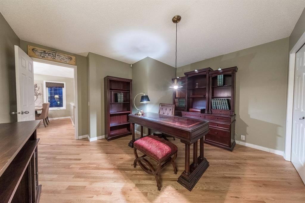 Photo 29: Photos: 42 Tuscany Hills Park NW in Calgary: Tuscany Detached for sale : MLS®# A1092297