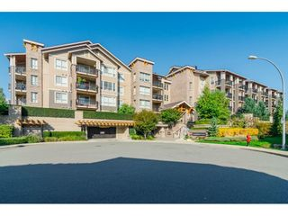 Photo 1: 322 5655 210A Street in Langley: Salmon River Condo for sale : MLS®# R2384803