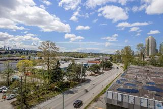 """Photo 4: 705 5611 GORING Street in Burnaby: Central BN Condo for sale in """"THE LEGACY"""" (Burnaby North)  : MLS®# R2161193"""