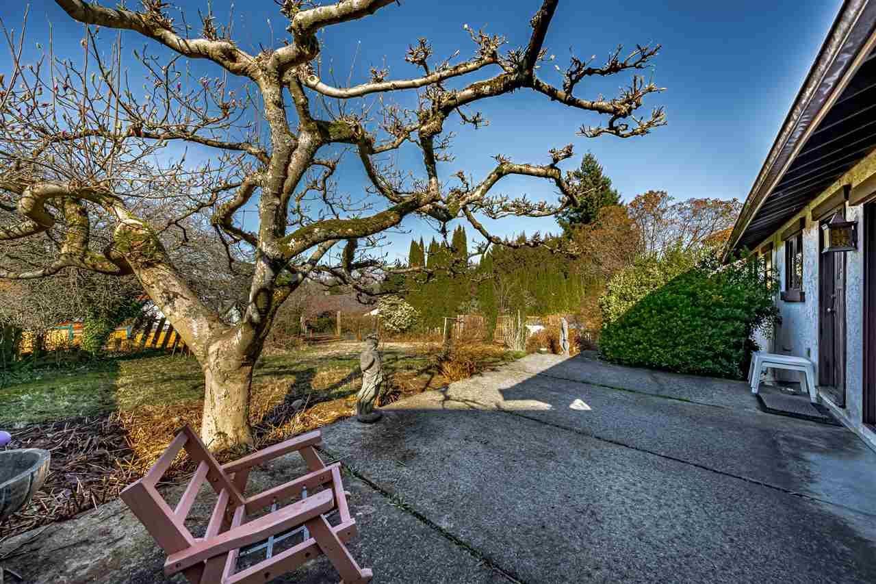 Photo 7: Photos: 6131 BRANTFORD Avenue in Burnaby: Upper Deer Lake House for sale (Burnaby South)  : MLS®# R2551835