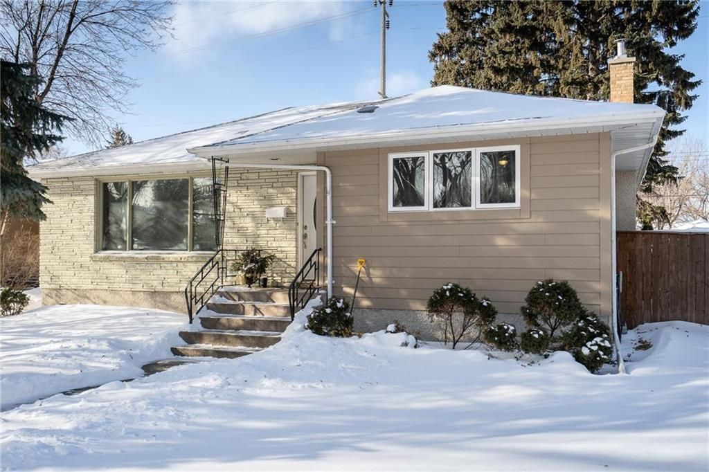 Main Photo: 903 Campbell Street in Winnipeg: River Heights South Residential for sale (1D)  : MLS®# 202102438