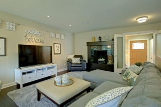 Photo 7: 4151 42 Street SW in Calgary: Glamorgan Detached for sale : MLS®# A1131147
