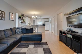 Photo 5: 450 Rutherford Crescent in Saskatoon: Sutherland Residential for sale : MLS®# SK865413