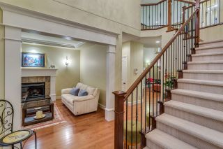 Photo 2: 142 DOGWOOD Drive: Anmore House for sale (Port Moody)  : MLS®# R2072887