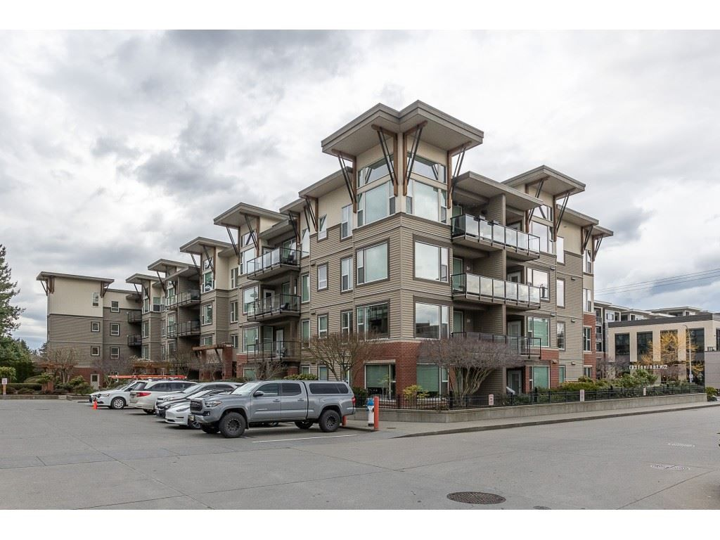 "Main Photo: 410 33538 MARSHALL Road in Abbotsford: Central Abbotsford Condo for sale in ""The Crossing"" : MLS®# R2554748"