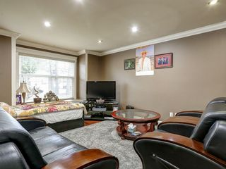 Photo 2: 7826 127 Street in Surrey: West Newton House for sale : MLS®# R2150352