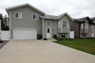 Photo 1: 5113 56 Ave: St. Paul Town House for sale : MLS®# E4263067