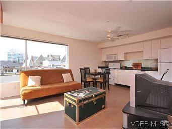 Photo 2: Photos: 304 932 Johnson St in VICTORIA: Vi Downtown Condo for sale (Victoria)  : MLS®# 601947
