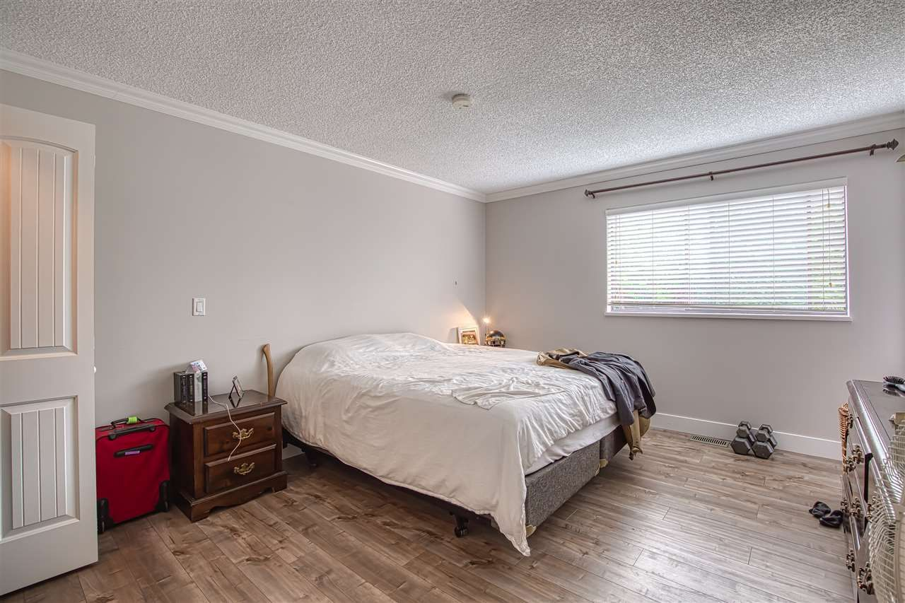 """Photo 16: Photos: 8137 WILTSHIRE BOULEVARD Boulevard in Delta: Nordel House for sale in """"Canterbury Heights"""" (N. Delta)  : MLS®# R2474823"""