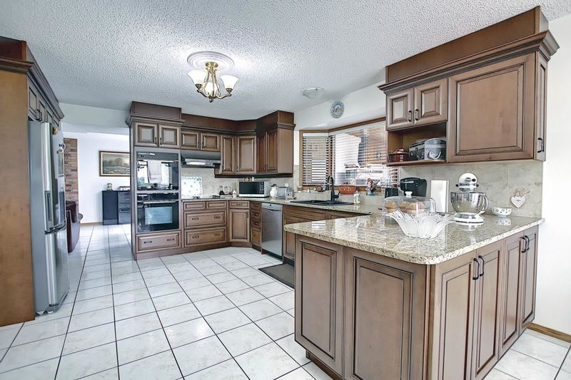 FEATURED LISTING: 55302 Rg Rd 233 Rural Sturgeon County