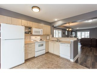 """Photo 4: 40 20560 66 Avenue in Langley: Willoughby Heights Townhouse for sale in """"AMBERLEIGH II"""" : MLS®# R2134449"""