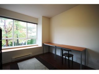 """Photo 10: 6727 VILLAGE Grove in Burnaby: Highgate Townhouse for sale in """"MONTEREY"""" (Burnaby South)  : MLS®# V977948"""