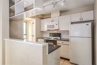 """Photo 8: 1204 939 HOMER Street in Vancouver: Yaletown Condo for sale in """"THE PINNACLE"""" (Vancouver West)  : MLS®# R2204695"""
