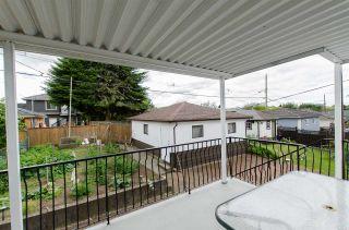 Photo 16: 2590 ADANAC Street in Vancouver: Renfrew VE House for sale (Vancouver East)  : MLS®# R2101435