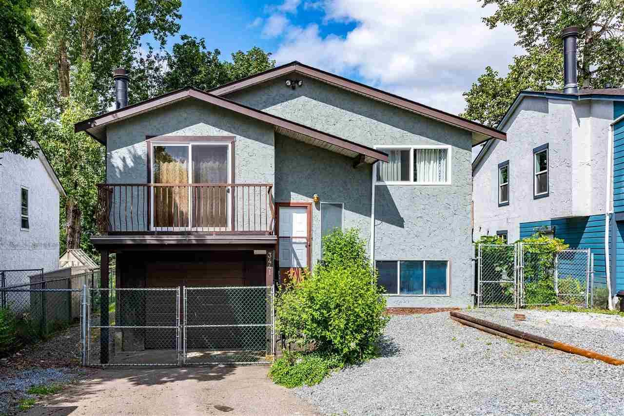 Main Photo: 3441 JUNIPER Crescent in Abbotsford: Central Abbotsford House for sale : MLS®# R2474033