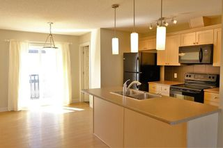 Photo 2: 1419 CUNNINGHAM Drive in Edmonton: Zone 55 Townhouse for sale : MLS®# E4239672