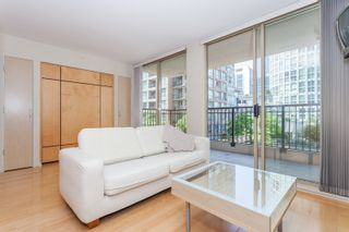 """Photo 5: 603 969 RICHARDS Street in Vancouver: Downtown VW Condo for sale in """"Mondrian"""" (Vancouver West)  : MLS®# R2074580"""