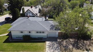 Photo 2: 596 1st Avenue Northeast in Swift Current: North East Residential for sale : MLS®# SK858651