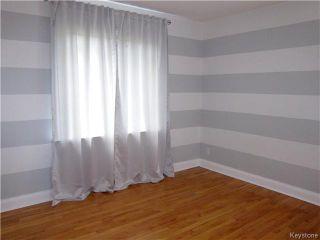 Photo 5: 284 Renfrew Street in WINNIPEG: River Heights / Tuxedo / Linden Woods Residential for sale (South Winnipeg)  : MLS®# 1523284