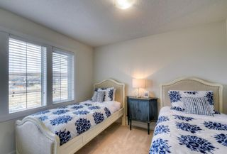 Photo 13: 13 Crestbrook Way SW in Calgary: Crestmont Detached for sale : MLS®# A1140042