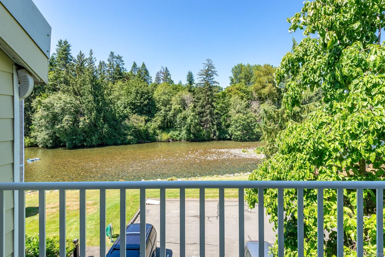 Photo 1: Photos: 303 205 1st St in : CV Courtenay City Row/Townhouse for sale (Comox Valley)  : MLS®# 883172