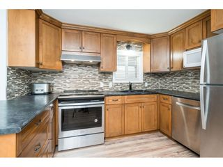 """Photo 14: 14 24330 FRASER Highway in Langley: Otter District Manufactured Home for sale in """"Langley Grove Estates"""" : MLS®# R2518685"""