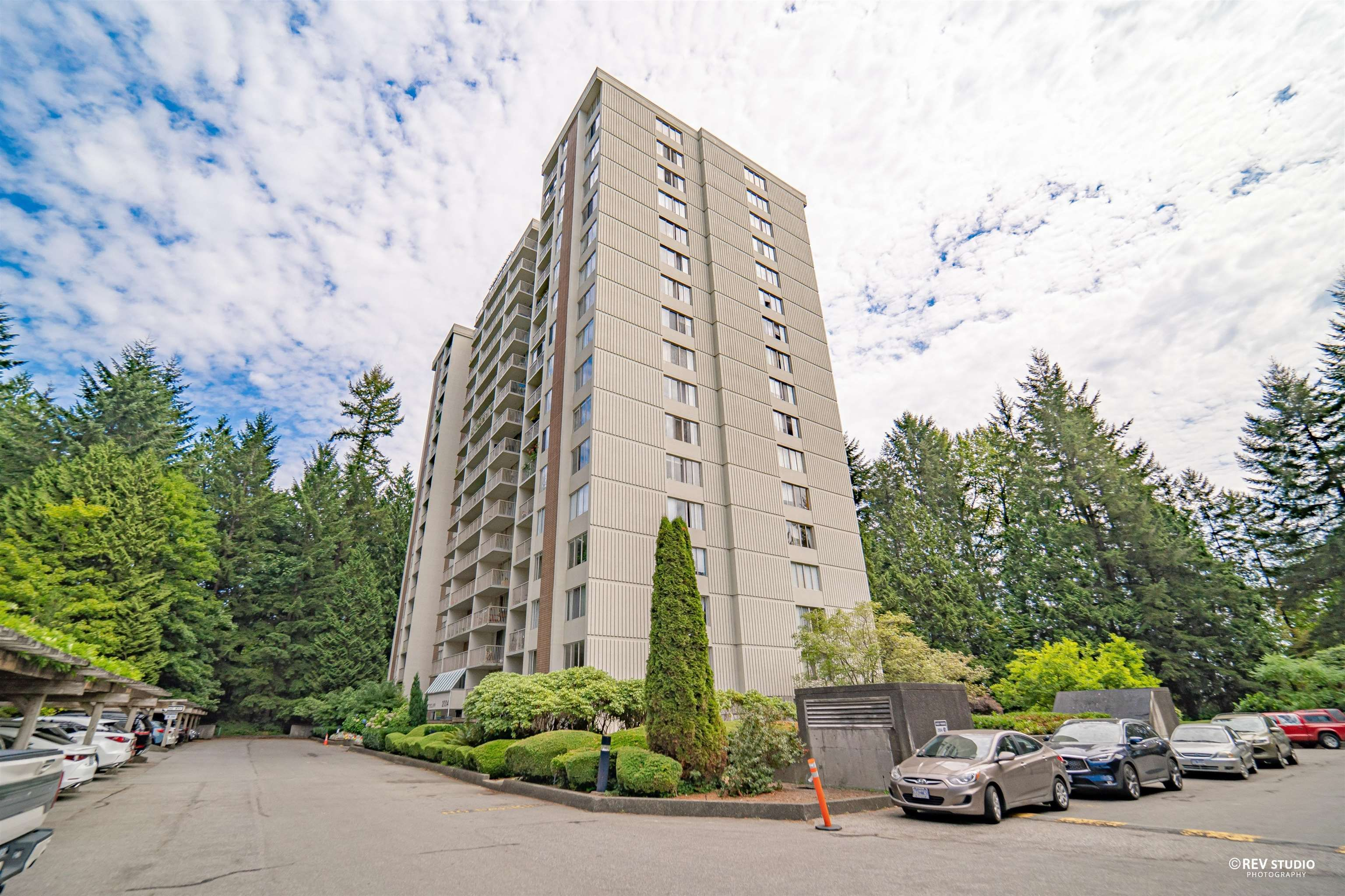 Main Photo: 204 2004 FULLERTON Avenue in North Vancouver: Pemberton NV Condo for sale : MLS®# R2611172