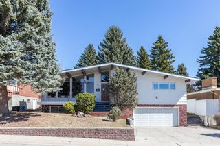 Photo 1: 72 Clarendon Road NW in Calgary: Collingwood Detached for sale : MLS®# A1093736