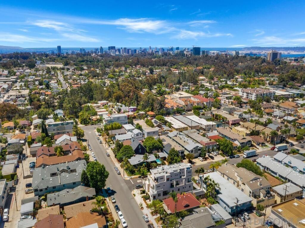 Main Photo: Townhouse for sale : 3 bedrooms : 3804 Herbert St in San Diego