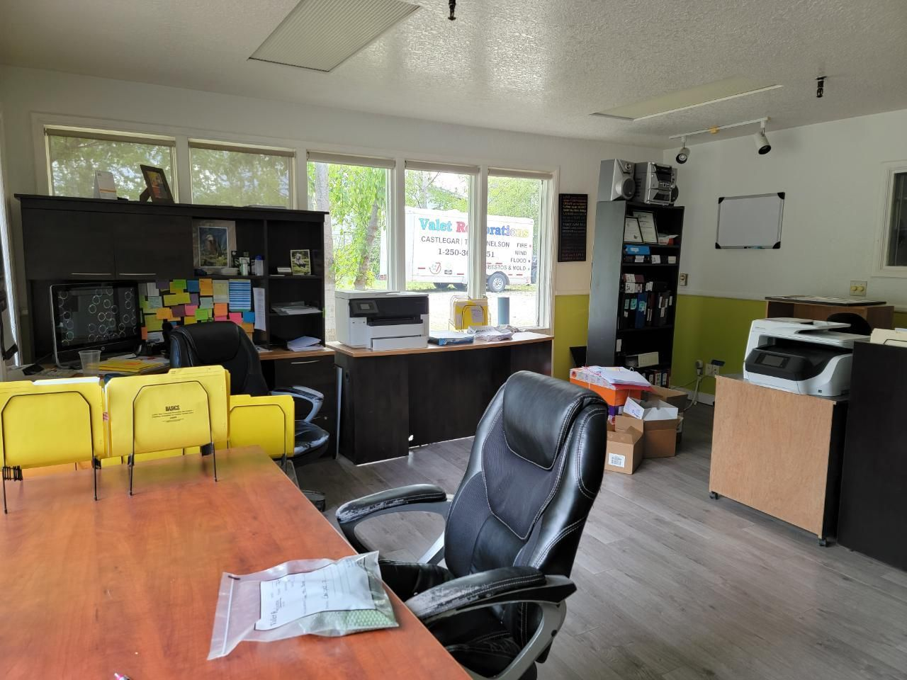 Main Photo: 1840 CO-OP LANE in Robson/Raspberry/Brilliant: Retail for sale : MLS®# 2458864