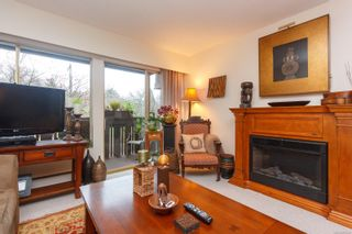 Photo 2: 303 964 Heywood Ave in : Vi Fairfield West Condo for sale (Victoria)  : MLS®# 862438