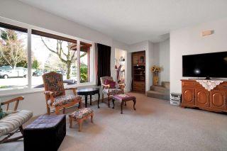 Photo 3: 6283 MORGAN Place in Surrey: Cloverdale BC 1/2 Duplex for sale (Cloverdale)  : MLS®# R2558016