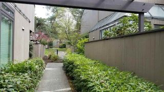 """Photo 2: 4414 YEW Street in Vancouver: Quilchena Townhouse for sale in """"ARBUTUS WEST"""" (Vancouver West)  : MLS®# R2362580"""
