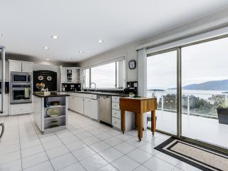 Photo 5: 5532 WESTHAVEN Road in West Vancouver: Eagle Harbour House for sale : MLS®# R2023725