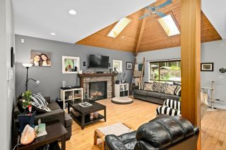 Photo 6: 3334 Sewell Rd in : Co Triangle House for sale (Colwood)  : MLS®# 878098