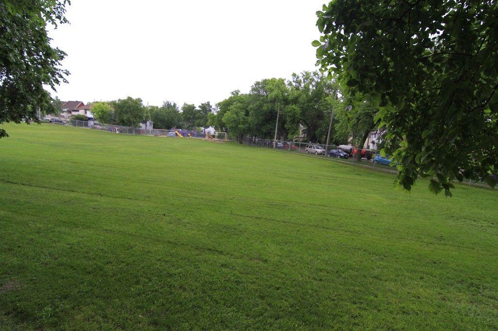 Photo 53: Photos: 470 Clifton Street in Winnipeg: Wolseley Single Family Detached for sale (West Winnipeg)  : MLS®# 1314152