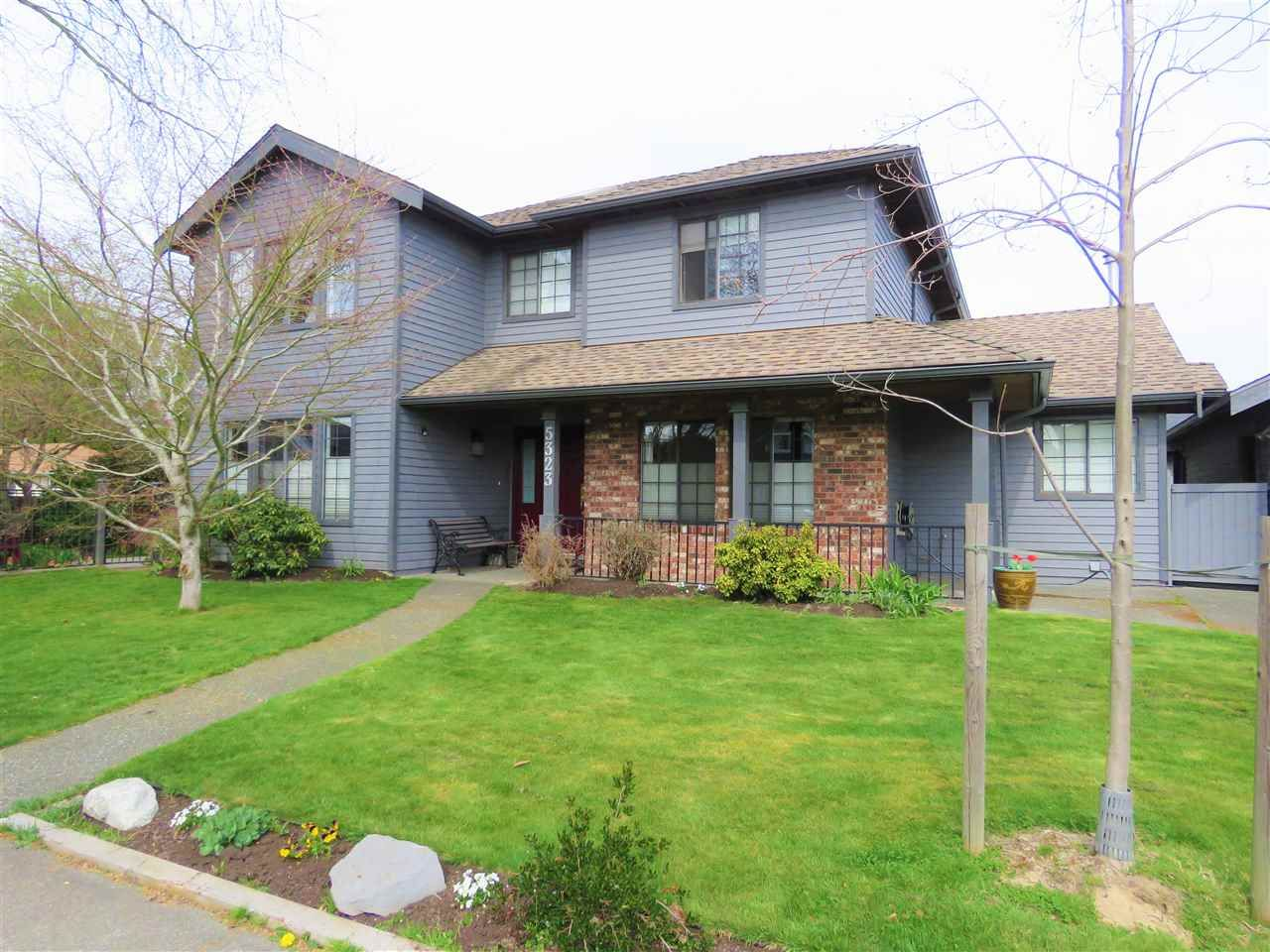 """Main Photo: 5323 LAUREL Gate in Delta: Hawthorne House for sale in """"VICTORY SOUTH"""" (Ladner)  : MLS®# R2397995"""
