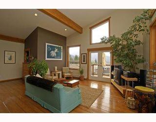 Photo 5: 1013 TOBERMORY Way in Squamish: Garibaldi Highlands House for sale : MLS®# V757176