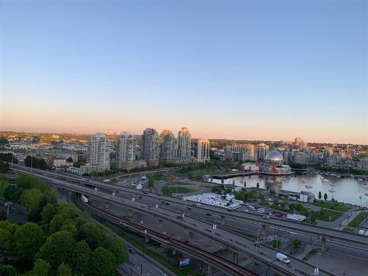 """Photo 14: Photos: 2609 688 ABBOTT Street in Vancouver: Downtown VW Condo for sale in """"FIRENZE ii"""" (Vancouver West)  : MLS®# R2579446"""