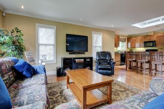 Photo 9: 1863 San Pedro Ave in : SE Gordon Head House for sale (Saanich East)  : MLS®# 878679