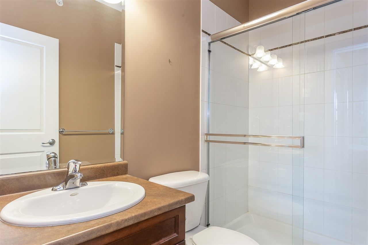 """Photo 17: Photos: 409 33338 MAYFAIR Avenue in Abbotsford: Central Abbotsford Condo for sale in """"The Sterling"""" : MLS®# R2346998"""