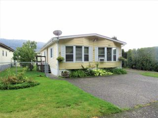 """Photo 1: 61 5742 UNSWORTH Road in Sardis: Vedder S Watson-Promontory Manufactured Home for sale in """"Cedar Grove"""" : MLS®# R2405974"""