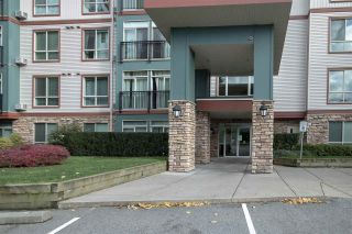 """Photo 2: 404 33485 SOUTH FRASER Way in Abbotsford: Central Abbotsford Condo for sale in """"CITADEL RIDGE"""" : MLS®# R2320305"""