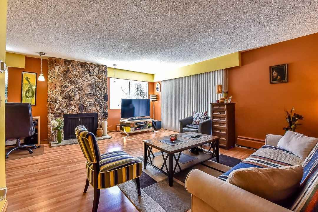 """Main Photo: 206 1554 GEORGE Street: White Rock Condo for sale in """"The Georgian"""" (South Surrey White Rock)  : MLS®# R2052627"""