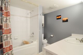 """Photo 12: 206 2559 PARKVIEW Lane in Port Coquitlam: Central Pt Coquitlam Condo for sale in """"The Crescent"""" : MLS®# R2105568"""
