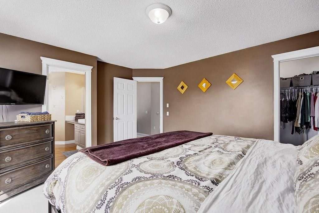Photo 15: Photos: 32 INVERNESS Boulevard SE in Calgary: McKenzie Towne House for sale : MLS®# C4175544
