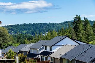 Photo 2: 1202 Bombardier Cres in Langford: La Westhills House for sale : MLS®# 843154