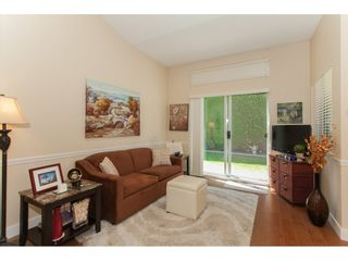 """Photo 5: 117 9012 WALNUT GROVE Drive in Langley: Walnut Grove Townhouse for sale in """"Queen Anne Green"""" : MLS®# R2184552"""