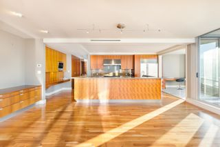 """Photo 4: 3102 1077 W CORDOVA Street in Vancouver: Coal Harbour Condo for sale in """"Shaw Tower"""" (Vancouver West)  : MLS®# R2624531"""