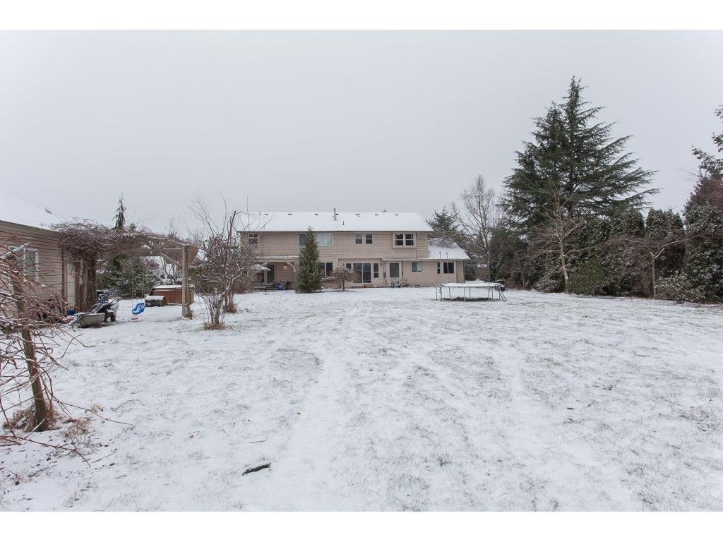 "Photo 20: Photos: 25125 57 Avenue in Langley: Salmon River House for sale in ""Strawberry Hills"" : MLS®# R2136212"